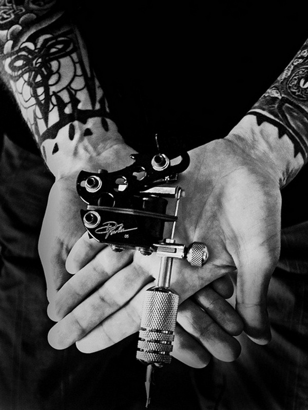 hand-tattoo-gun-20-27-jpg